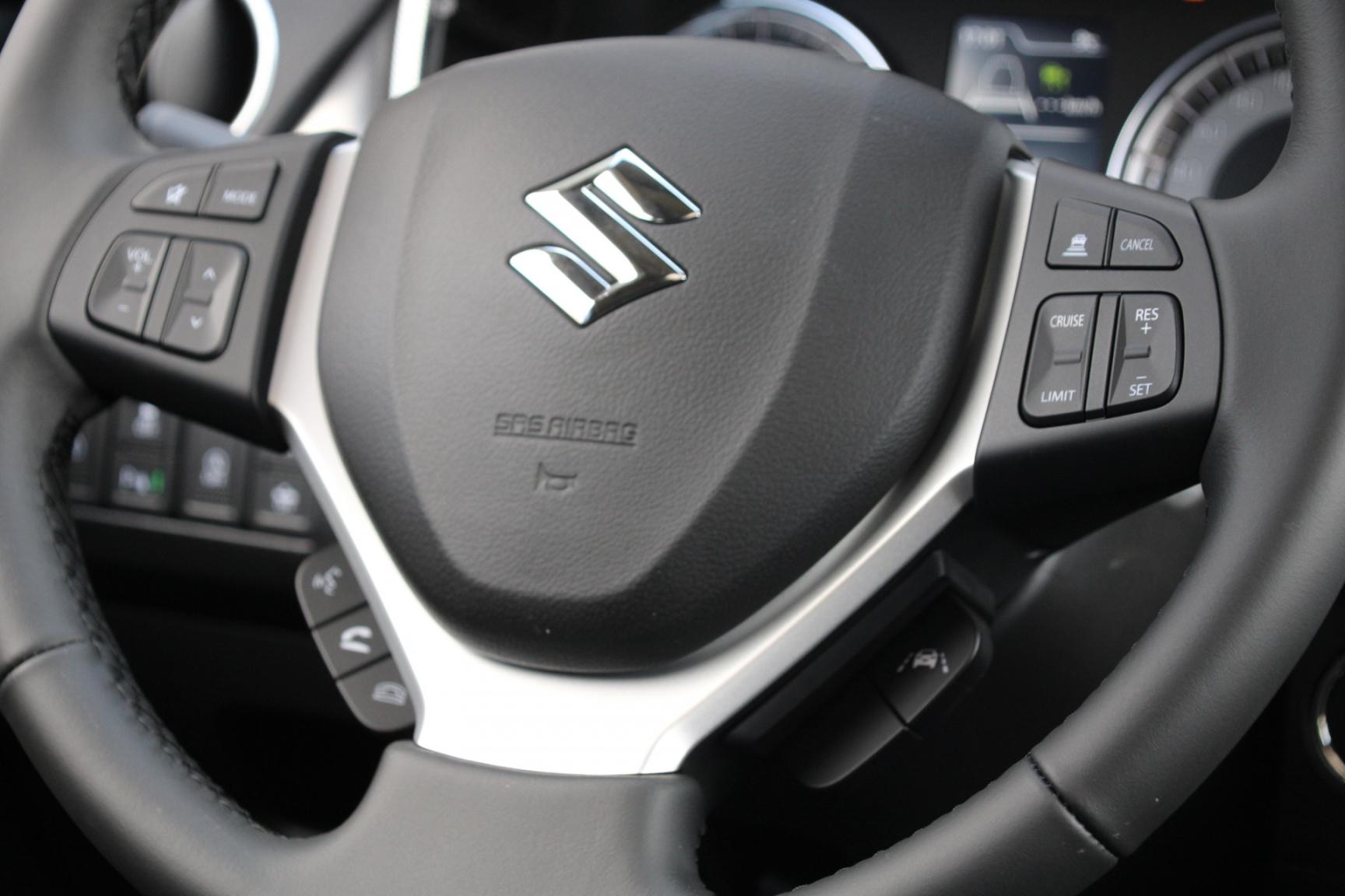 Suzuki-Vitara-27